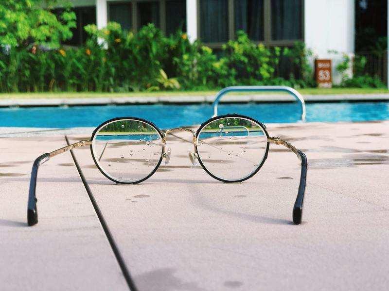Normal 1559495618 Eyeglasses Near The Pool