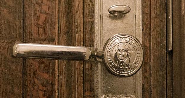 Lead door knob